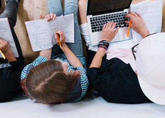 Covid-19: 94% dos universitários desejam continuar estudando